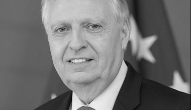 In an interview with FORESIGHT, Dominique Ristori, Director General for Energy in the European Commission, explains why Europe's heating system is too old and dirty